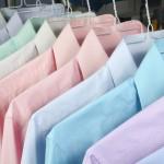 Jak nosić koszulę z krótkim rękawem ?