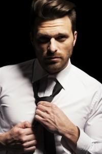 czarny krawat